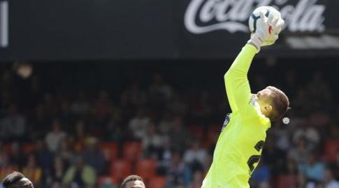 מקסים קובאל תופס את הכדור (La Liga)