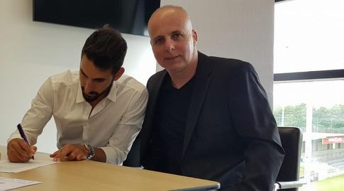 אללון תורג'מן וגלעד קצב במעמד החתימה באוסטריה וינה