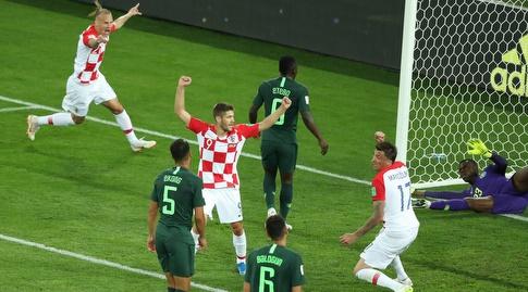 שחקני קרואטיה חוגגים את שער היתרון (רויטרס)