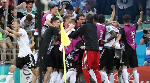 שחקני גרמניה חוגגים בטירוף (רויטרס)