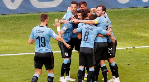 שחקני אורוגוואי חוגגים. סגל מספיק חזק בשביל לזכות בקופה (רויטרס)