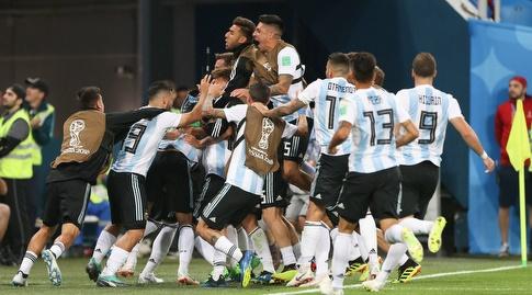 שחקני נבחרת ארגנטינה חוגגים בטירוף (רדאד ג