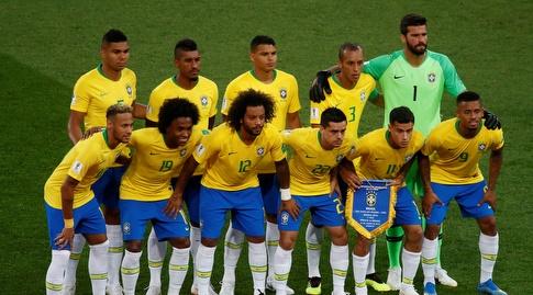 שחקני ברזיל בתחילת המשחק (רויטרס)