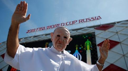 גם האפיפיור גויס למאמצים (רויטרס)