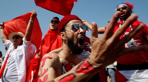 האוהדים הטוניסאים ביציע (רויטרס)