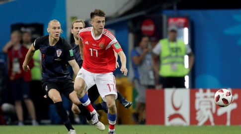 אלכסנדר גולובין ודומאגוי וידה נאבקים על הכדור (רויטרס)