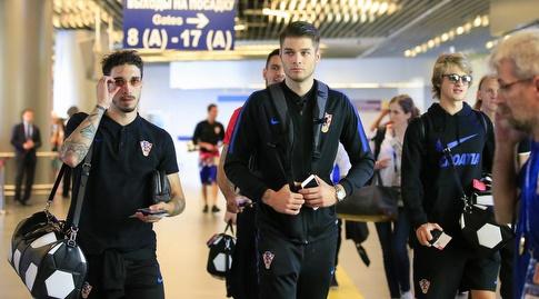 שחקני קרואטיה בדרך למטוס (רויטרס)