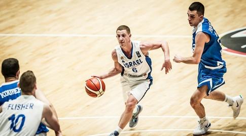 גיל בני נכנס לסל (FIBA)