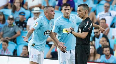יאגו אספאס לא אוהב את הכרטיס הצהוב שקיבל (La Liga)