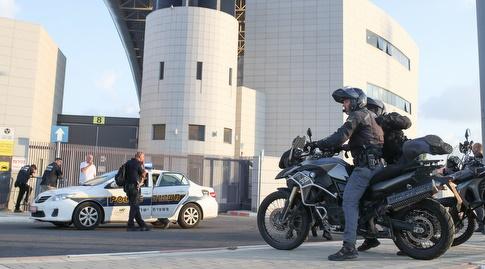 כוחות השיטור מחוץ לאצטדיון בנתניה (אחמד מוררה)
