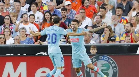 חואנפראן מחבק את אנחל קוראה (La Liga)