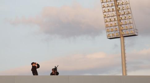צלפים על הגג של אלבאסן ארנה (רויטרס)