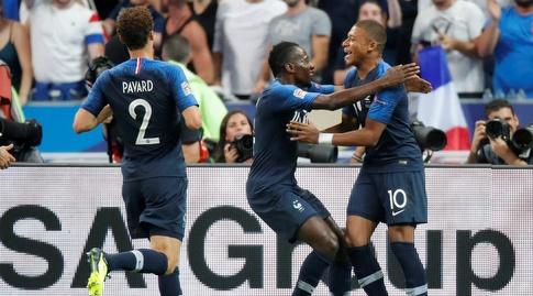 נבחרת צרפת חוגגת (רויטרס)