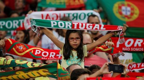 אוהדת של נבחרת פורטוגל (רויטרס)