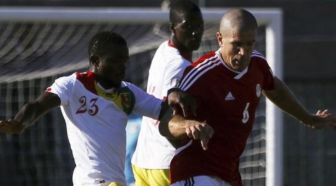 סיידובה סומא במדי נבחרת גינאה (רויטרס)