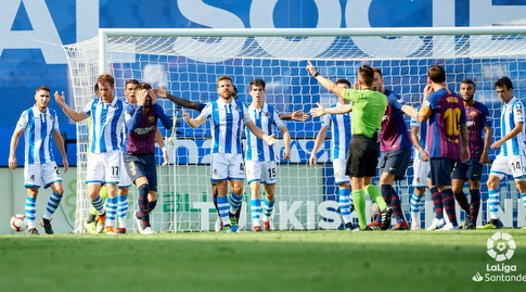 ג'רארד פיקה בהלם לאחר שלא זכה לכדור עונשין (La Liga)