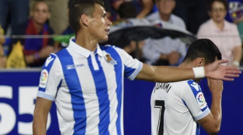 חואנמי והקטור מורנו במהלך המשחק (La Liga)