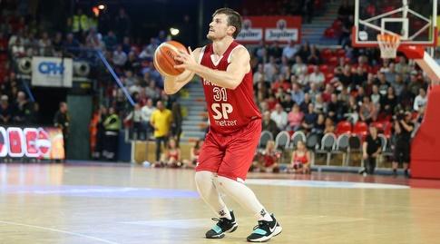 סטו דגלאס (FIBA)