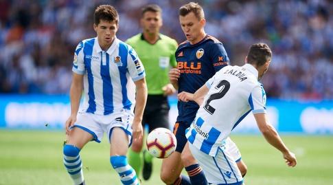 יוסבה סלדואה מנסה לקחת את הכדור מדניס צ'רישב (La Liga)