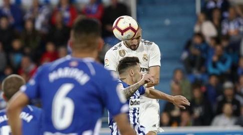 קארים בנזמה נוגח לשער (La Liga)