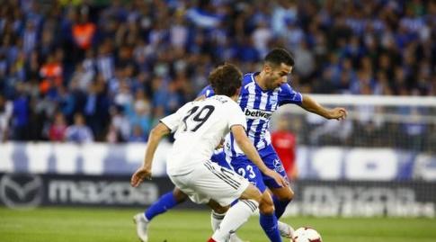 ג'וני מנסה לעבור את אלברו אודריאוסולה (La Liga)