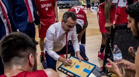 עודד קטש מתדרך (FIBA) (מערכת ONE)