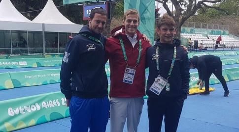 איתמר לבנון עם רון דרמון והמאמן אור ברגר (הוועד האולימפי)