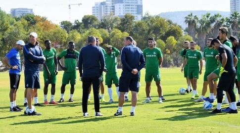 שחקני מכבי חיפה במהלך האימון (האתר הרשמי של מכבי חיפה)