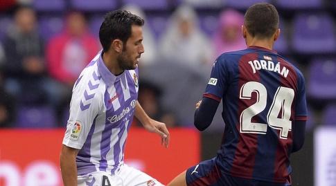 ז'ואן ז'ורדן שומר על קיקו אוליבאס (La Liga)