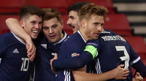 נבחרת סקוטלנד חוגגת (רויטרס)