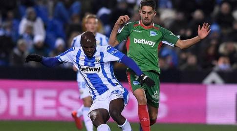 אלאן ניום עם הכדור (La Liga)