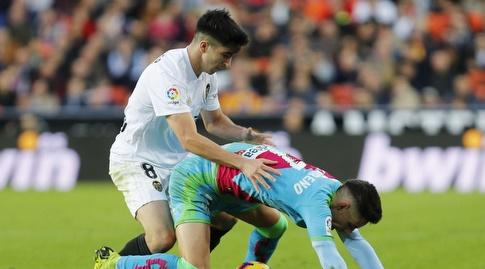 קרלוס סולר ואלחנדרו מורנו ברגע אינטימי (La Liga)