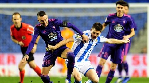 יאגו אספאס מנסה להגיע לכדור (La Liga)