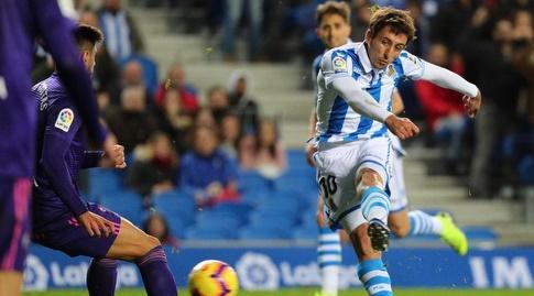 מיקל אויארסבאל בועט (La Liga)