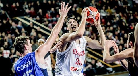 גוגה ביטדזה מול ג'ייק כהן (FIBA)