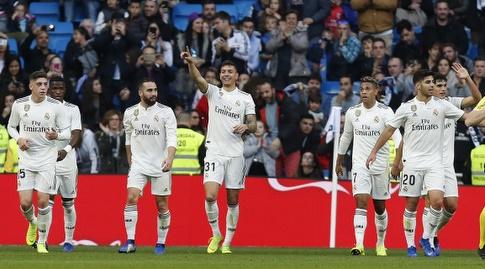 שחקני ריאל חוגגים עם חאבי סאנצ'ס (La Liga)