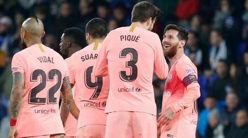 ליאו מסי חוגג עם ג'רארד פיקה (La Liga)