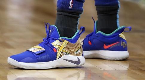 הנעליים של לוקה דונצ'יץ' (רויטרס)