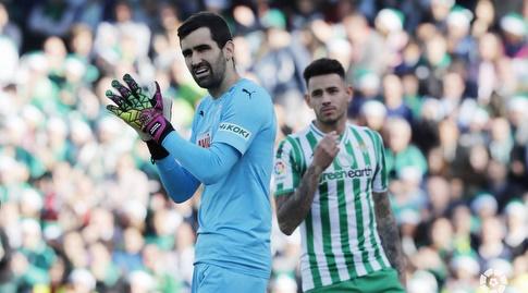 אסייר רייסגו מוחא כפיים (La Liga)