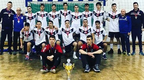 נבחרת הנוער עד גיל 16 שסיימה במקום השני (הדר ואן דולא, איגוד הכדוריד)