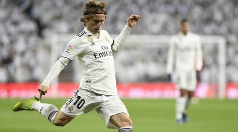 לוקה מודריץ' בועט (La Liga)