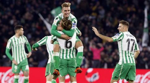 ג'ובאני לו סלסו חוגג עם סרחיו קנאלס (La Liga)