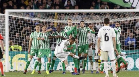 דני סבאיוס בועט (La Liga)