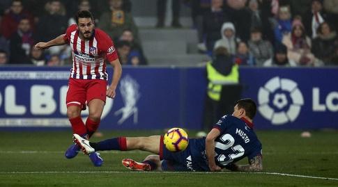 קוקה נבלם על ידי דמיאן מוסטו (La Liga)