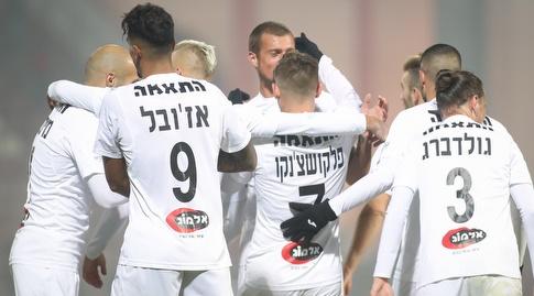 שחקני הפועל חיפה חוגגים (רדאד ג'בארה)