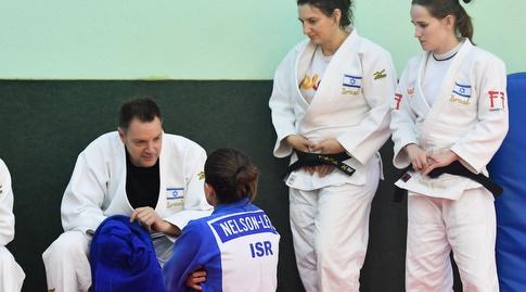 שני הרשקו, מאמן נבחרת הנשים (חגי מיכאלי)