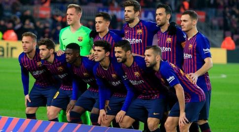 שחקני ברצלונה לפני המשחק (La Liga)