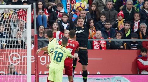 מארק אנדרה טר שטגן קולט את הכדור (La Liga)