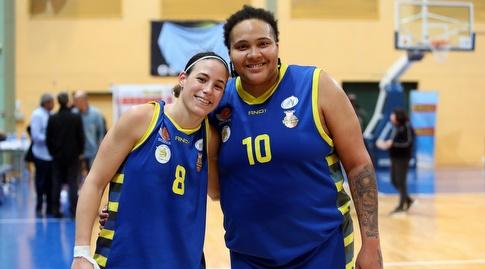 דניאל אדאמס ושי דורון (עודד קרני, באדיבות מנהלת ליגת העל לנשים בכדורסל)