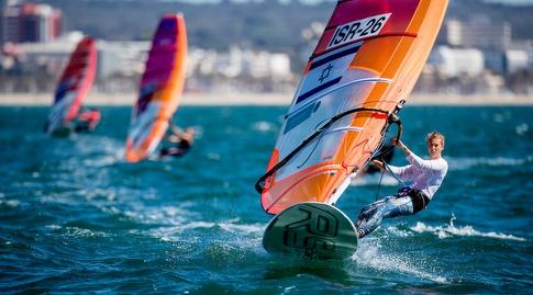 ירדן איסק בפעולה (Tomas Moya / Sailing Energy / Trofeo Princesa Sofia Iberostar)
